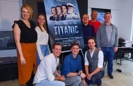 b_450_300_16777215_00_images_artikelfotos_maart2019_Titanic_crew.jpg